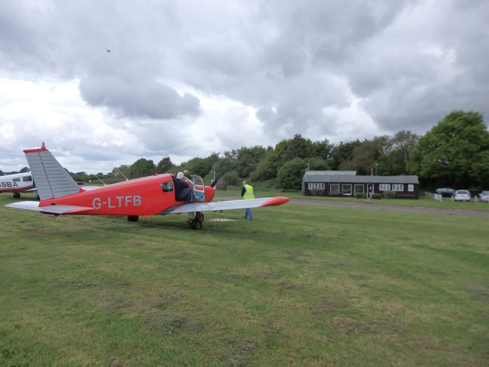 G-LTFB returns to London Transport Flying Club